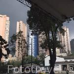 Vista panoramica de la ciudad de BOGOTA y edificios altos de viviendas. Colombia