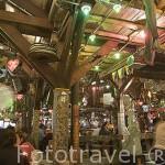 """Interior del restaurante / espectaculo / sala de baile """"Andres Carne de Res"""". CHIA. En las afueras de Bogota. Colombia"""