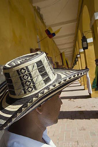 Sombrero volteado tipico costeño. CARTAGENA DE INDIAS. Colombia