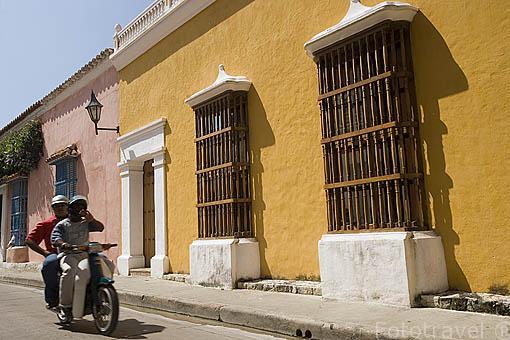 Callejon de los Estribos. Ciudad Vieja. CARTAGENA DE INDIAS. Colombia