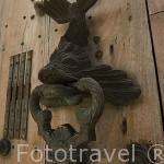 Puerta y aldaba. Ciudad Vieja. CARTAGENA DE INDIAS. Colombia