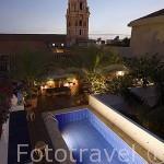 Piscina y torre de la Catedral. Azotea. Hotel Agua. Calle de Ayos,n.4. Ciudad Vieja. CARTAGENA DE INDIAS. Colombia
