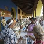 Venta de variados dulces. Portal de los Dulces en la Plaza de los Coches. Ciudad Vieja. CARTAGENA DE INDIAS. Departamento de Bolivar. Colombia