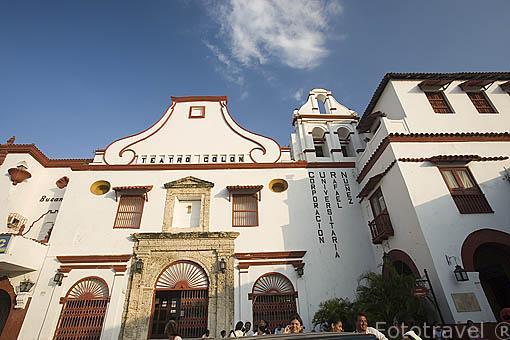 Fachada del teatro Colon, en el barrio de Getsemani. CARTAGENA DE INDIAS. Colombia