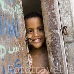 Niño en su casa en el barrio de Getsemani. CARTAGENA DE INDIAS. Colombia