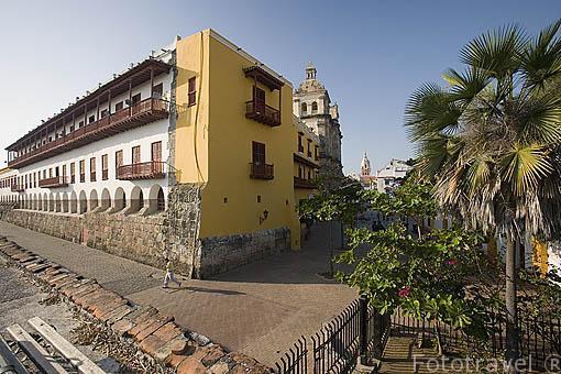 Plaza de San Pedro Claver visto desde el baluarte de San Ignacio. Centro historico de CARTAGENA DE INDIAS. Colombia