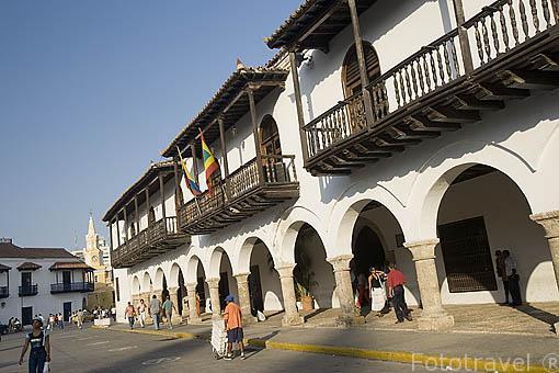 Soportales en la Casa de la Aduana. Centro historico de CARTAGENA DE INDIAS. Colombia