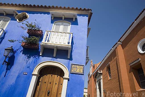 Fachadas coloridas en el centro historico de CARTAGENA DE INDIAS. Colombia