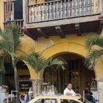 Taxi junto al Portal de los Dulces. CARTAGENA DE INDIAS. Ciudad patrimonio de la Humanidad, UNESCO. Colombia. Suramerica