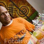Camarero y zumos de frutas. Hotel restaurante Bantu. c/Tablada 7. CARTAGENA DE INDIAS. Colombia. Suramerica