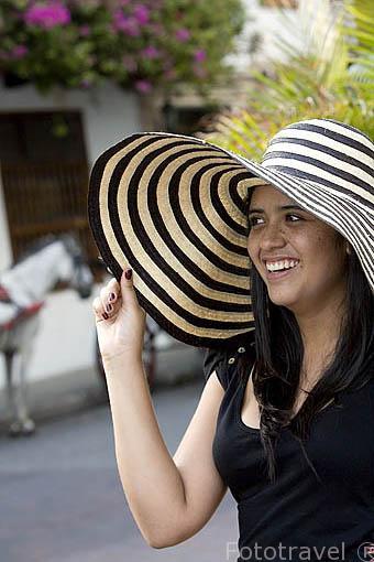 """Sombrero """"volteao"""" tipico de CARTAGENA DE INDIAS. Colombia. Suramerica. MR.088"""
