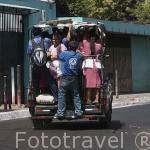 Transporte urbano en la poblacion de Nahuizalco, Ruta de las Flores. El Salvador. Centro américa.