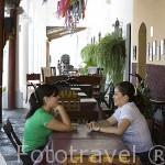 Restaurante bajo los soportales del pueblo de SUCHITOTO. El Salvador. Centro américa.