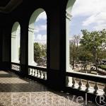 Balconada superior. Teatro Nacional. Ciudad de SANTA ANA. El Salvador. Centro américa.