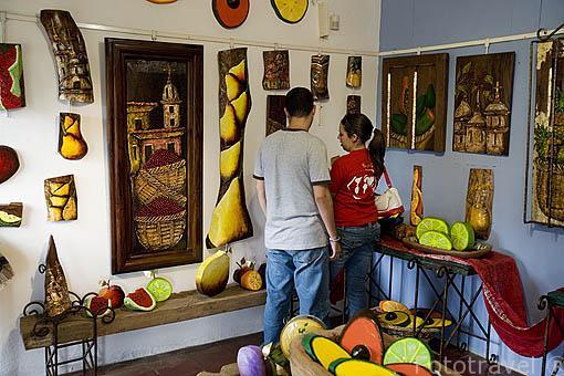 Taller de pintura en la población de SALCOATITÁN. El Salvador. Centro américa.