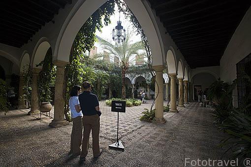 Patio del principal del Recibo con arcos de medio punto. Palacio de Viana. Ciudad de CORDOBA. Patrimonio de la Humanidad. Andalucia. España