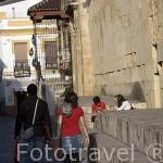 Calle del Cardenal Herrero junto a la Mezquita Catedral. Ciudad de CORDOBA. Patrimonio de la Humanidad. Andalucia. España