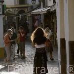 Chica paseando. Ciudad de CORDOBA. Patrimonio de la Humanidad. Andalucia. España