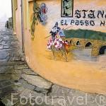 Pintura en una pared referente al puente medieval de HOSPITAL DE ORBIGO. León. Castilla y León. España. Camino de Santiago