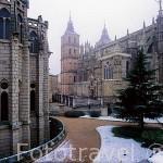 Catedral de Sta. Maria del s.XV y palacio episcopal-museo de los caminos Gaudi. ASTORGA. León. Castilla y León. España