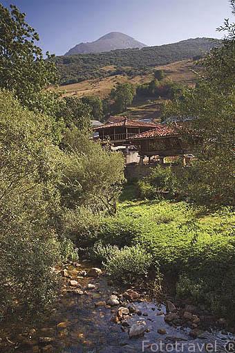 Pueblo de TORRESTIO y horreos. Comarca de Babia. Leon. Castilla y Leon. España