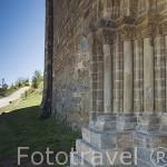 Puerta del Perdón. Iglesia románica de Santiago, s. XII. Población de VILLAFRANCA DEL BIERZO. Provincia de Leon. España. Spain