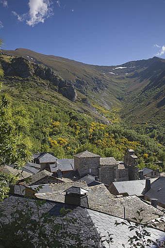 Pueblo de montaña de PEÑALBA DE SANTIAGO. Valle del Silencio. Municipio de Ponferrada. Castilla y Leon. España. Spain