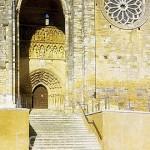 Fachada de la iglesia de Santa María de Blanca (s.XIII). VILLALCÁZAR DE SIRGA. Palencia. Castilla y León. España