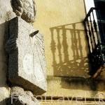 Detalle de un peregrino realizado en granito. CARRION DE LOS CONDES. Palencia. Castilla y León. España