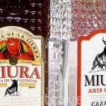 """Crema de Guindas y Anis dulce Miura. Empresa """"Destilerias de Cazalla"""". CAZALLA DE LA SIERRA. Sevilla. España"""