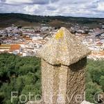 Vista del pueblo de ALANIS desde las ruinas del castillo. Parque Natural de la Sierra Norte. Sevilla. España