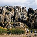 Vista de la antigua mina del Cerro del Hierro. Terrenos kársticos y calizos. Parque Natural de la Sierra Norte. Sevilla. España