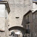 Arco y muralla de San Martin, parte del primer recinto amurallado. Pueblo de CUELLAR. Comarca de Tierra de Pinares. Segovia. Castilla y León. España