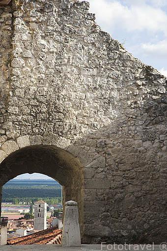 Arco de Santiago. Pueblo de CUELLAR. Comarca de Tierra de Pinares. Segovia. Castilla y León. España