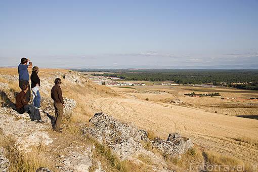 """Mirador sobre el """"Mar de Pinares"""". Cerca del pueblo de CUELLAR. Comarca de Tierra de Pinares. Segovia. Castilla y León. España"""