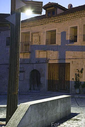 Plaza junto al edificio del Estudio de Gramatica. Pueblo de CUELLAR. Comarca de Tierra de Pinares. Segovia. Castilla y León. España