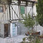Antiguas casas en la Cuesta de Santa Maria. Pueblo de CUELLAR. Comarca de Tierra de Pinares. Segovia. Castilla y León. España