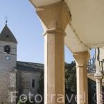 Iglesia romanica de Santa Maria en la plaza en FUENTEPELAYO. Comarca de Tierra de Pinares. Segovia. Castilla y León. España