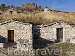 Bodegas particulares en la ladera de la montaña. Pueblo de FUENTIDUEÑA. Comarca de Tierra de Pinares. Segovia. Castilla y León. España