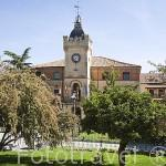 Ayuntamiento de CARBONERO EL MAYOR junto a la plaza. Comarca de Tierra de Pinares. Segovia. Castilla y León. España