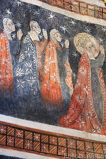 Friso con pinturas medievales en el abside, s.XII. Iglesia de la Vera Cruz. Pueblo de CUEVAS DE PROVANCO. Comarca de Tierra de Pinares. Segovia. Castilla y León. España
