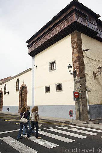 Detalle del Ajimez en lo alto de una de las torres del convento de Santa Catalina de Siena, s.XVII. SAN CRISTOBAL DE LA LAGUNA. Patrimonio UNESCO. Tenerife. Islas Canarias. España