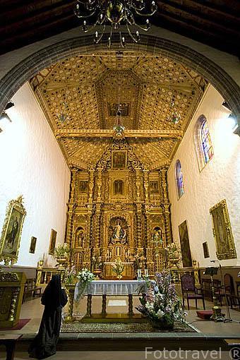 Altar y artesonado. Iglesia monasterio de Las Clarisas o de San Juan Bautista. SAN CRISTOBAL DE LA LAGUNA. Patrimonio UNESCO. Tenerife. Islas Canarias. España