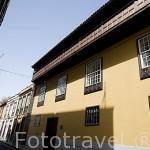 Balcón de madera en la casa Osuna, calle Juan de Vera. SAN CRISTOBAL DE LA LAGUNA. Patrimonio UNESCO. Tenerife. Islas Canarias. España