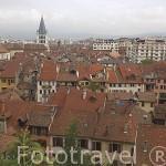 Vista de la ciudad de ANNECY desde lo alto del castillo de Annecy. Alta Saboya. Rhones Alpes. Francia.