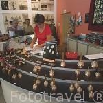 Tienda. Museo de la campana. (Musee de la Cloche) de la empresa Paccard. Poblacion de SÉVRIER. Alta Saboya. Rhones Alpes. Francia.