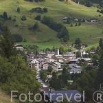 El valle de Arly y Flumet visto desde la poblacion de SAINT NICHOLAS DE LA CHAPELLE. Alta Saboya. Rhones Alpes. Francia
