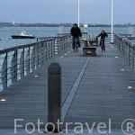 Muelle de madera en el puerto deportivo de SAINT TROJAN. Isla de Oleron . Francia