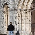 Fachada de la iglesia romanica de SAINT GEORGES D´OLERON. Isla de Oleron. Francia