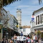 Calle de la Republique en la población de SAINT PIERRE D´OLERON. Isla de Oleron. Francia